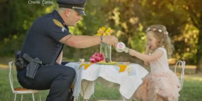 女童貝克斯利與她的救命恩人警官派翠克,共享午茶時光。(圖片來源:https://www.youtube.com/watch?v=VauzD0FcZn4)