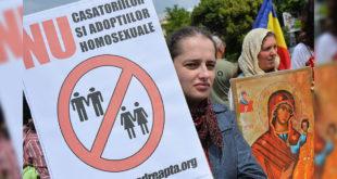 羅馬尼亞憲法法庭上個月批准婚姻是一男一女的結合關係。(圖片來源:nbcnews)