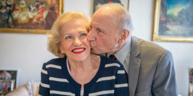 90旬老夫妻西奇與漢卡,已經結褵72年了,感情依舊濃烈。(圖片來源:http://www.abc.net.au/)