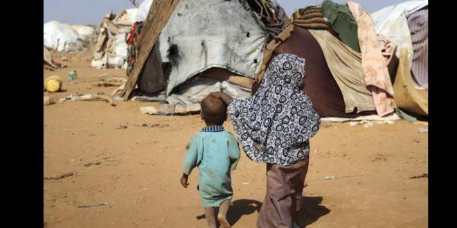 肯亞政府將關閉全世界最大的達達阿比(Dadaab)難民營,導致成千上萬的難民,被迫離開肯亞。(圖片來源:翻攝自youtube)