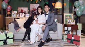 賈靜雯和修杰楷去年完婚,現在與兩個女兒「梧桐妹」和「咘咘」過著一家四口的甜蜜生活。(圖片來源:賈靜雯臉書)