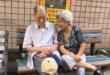 「老公來接你了!」 95歲失智翁市場接老伴超貼心