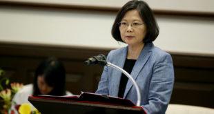 台灣世代智庫最新民調顯示,有8成民眾支持年金改革,僅有9.2%反對。而有56%民眾欣賞總統蔡英文,不欣賞比例有32.4%。  圖片來源:總統府flickr