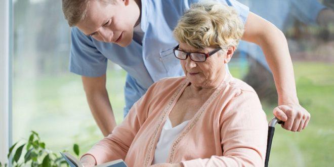近年來,男性照顧者越來越多,透過團體的支持與陪伴,照顧的路不再崎嶇難行,也不再孤單。(圖片來源/網路)