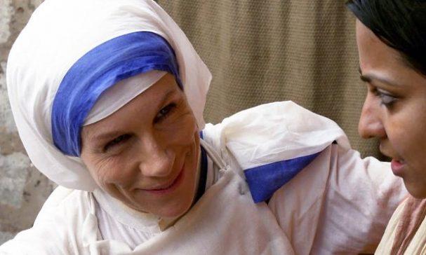 由實力派演員茱麗葉史蒂芬森詮釋德蕾莎修女,她表示一度無法抽離角色。(照片由威視提供)