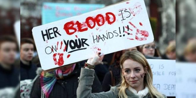 上週波蘭下議院否決了「保護婦女」的提議,維持禁杫墮胎法令。波蘭最大黨PiS表示,民調顯示有66%的人民反墮胎。(照片翻攝印度時報)