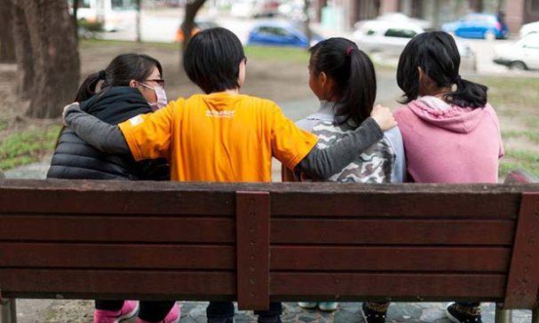台灣世界展望會服務高風險家庭已超過10年,佔全台四分之一,逾13萬個家庭。(照片由台灣世界展望會提供)