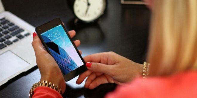 近年社交網站及通訊軟體普及,網路性騷擾的犯案年齡有往下趨勢。(pixabay)