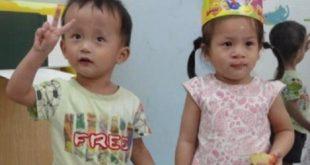 來自中國長沙孤兒院3歲的道森(左)和4歲的漢娜(右),兩人感情極好,在分別被美國家庭收養後,日前在德州機場重聚。(圖片來源/翻攝自網路)