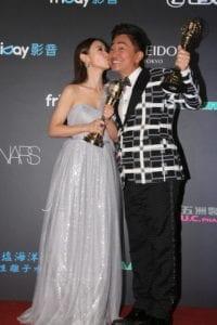 綜藝節目主持人獎最終由主持《小明星大跟班》的吳宗憲及吳姍儒共同獲得。(圖片來源:金鐘51提供)