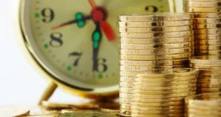 勞動部公布的最新勞保精算報告,因為人口老化影響潛藏負債,目前勞保基金潛藏負債達到8.36兆元,預估2020年開始會出現首次入不敷出,將在11年後,也就是2027年破產。   圖片來源:123RF