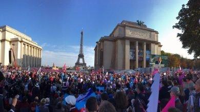 Photo of 法20萬人遊行要求廢同婚法 高喊「一個母親、一個父親」
