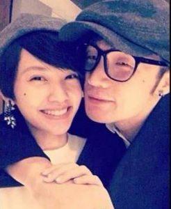 楊丞琳與李榮浩的戀情因為這張發布在微博上誤發的照片而曝光。(圖片來源:翻攝自微博)