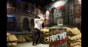 《FRONT DEFENSE》英雄防線體驗區,彷彿置身戰爭現場,享受槍林彈雨的刺激快感。快拾起你的武器擊退敵人!(圖片來源:HTC)