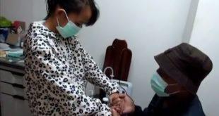 已無媽媽的10歲女孩,與單親爸爸相依為命。(圖片來源:翻攝自youtube)