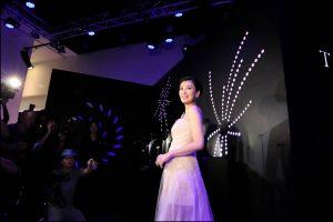賈靜雯宣布懷孕後首度出席公開活動,小腹平坦看不出已懷胎4個月。(圖片來源:陳得安攝)
