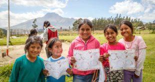 10月11日「國際女童日」,台灣世界展望會邀社會大眾為弱勢女童發聲,透過「資助兒童計畫」幫助女童上學。(照片由台灣世界展望會提供)