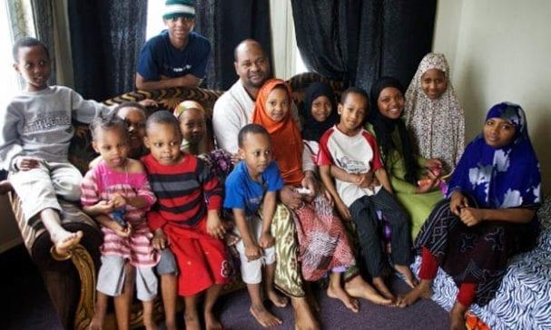 穆斯林生育率為全球之冠。(照片摘自barenakedislam)