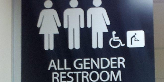 美跨性別廁所政策「被打搶」 聯邦法官更正「全國禁行」