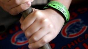「Campbell's Crew」綠色腕帶,主要是希望戴上的人都能充滿正面的力量。(圖片來源/翻攝自網路)