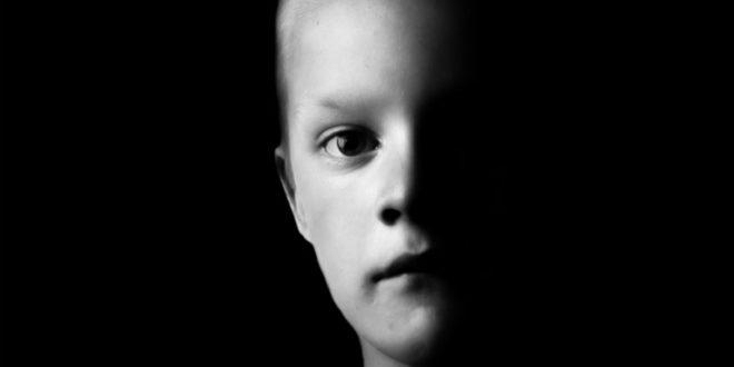 華人社會普遍存在父母要求孩子聽話的「聽話文化」,是否讓小孩壓抑了原本該有的天性呢?(圖面來源:網路)