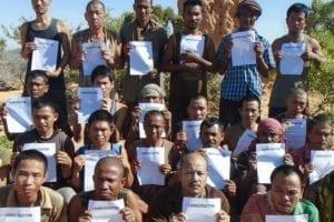 日前索馬利亞海盜,釋放一批被他們挾持長達五年的漁民人質。(圖片來源/翻攝自網路)