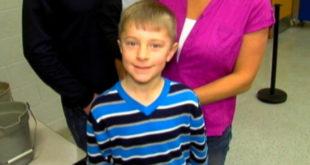 8歲的凱登為同學募集營養午餐費。(圖片來源:http://a.abcnews.com/)