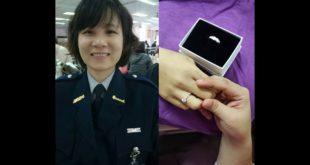女警陳明慧的男友在醫院,替女友戴上「訂婚戒指」,但4日下午拔管,讓陳明慧離開人世,令所有人不勝唏噓。(翻攝畫面)