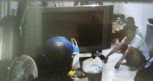台南市警方在某租屋處,偵破一起毒品案件,並逮捕了現場五人,然而,在現場卻發現有小孩,且該名小孩的父母竟在被逮捕人中,令人直搖頭。(圖片來源:翻攝台南市第五分局公園派出所)