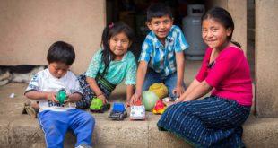 台灣世界展望會透過「資助兒童計畫」,服務中美洲北三角近兩萬名貧困兒童及家庭(照片由台灣世界展望會提供)