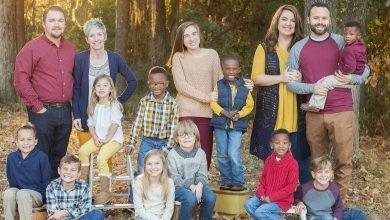Photo of 讓他們一起長大! 美2家鄰居兼好友一起領養4親兄弟