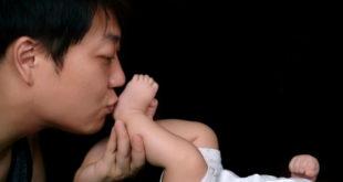 大陸《中國家庭教育現狀》白皮書顯示,有不到兩成的父親真正參與家庭教育,專家說這是民族危機。(圖片來源:網路)