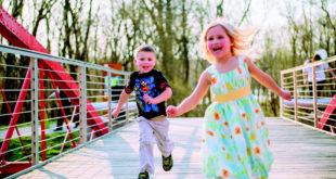 發現小孩有過動症狀時宜及早就醫服藥,以免增加受傷風險。(圖片來源:擷取自網路)