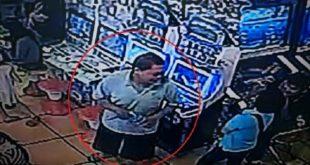 知名遊樂場驚傳拐童事件,所幸女童機警逃回爸爸身邊,而嫌犯身影已被監視器拍下。(翻攝PTT)