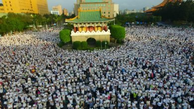 Photo of 20萬人街頭抗議 學生控訴:現代版白色恐怖