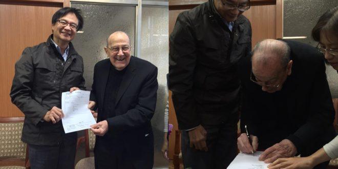 西班牙百歲神父賴甘霖愛台灣 北市首位「殊勳歸化」歸我國籍