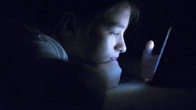 Photo of 研究:長時間使用社群軟體讓人更覺寂寞、被孤立