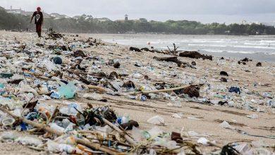 Photo of 沙灘被垃圾掩沒 峇里島進入 「緊急狀態」