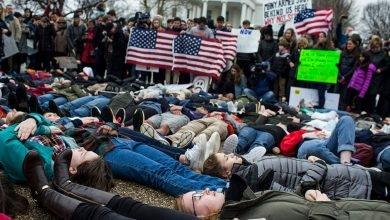 Photo of 讓槍擊案「沒有下次」! 美學生示威遊行促槍管
