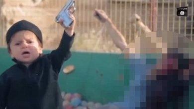 Photo of IS發佈「4歲娃娃兵處決囚犯」影片 舉槍喊真主至上
