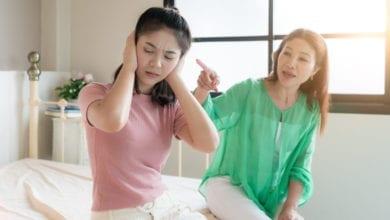Photo of 媽媽咒罵老闆:憑什麼讓我女兒洗廁所 網嘆保護過頭
