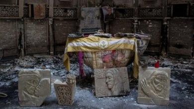 Photo of 不捨古基督教文本被IS摧毀 伊拉克穆斯林男冒死保存