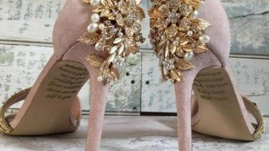 Photo of 撐不到婚禮!新娘淚收亡母離世前預訂「來自天堂的婚鞋」