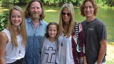 Photo of 壽命只剩半年!美11歲女孩腦瘤奇蹟消失 父母泣:上帝治好了她
