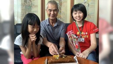 Photo of 兒吸毒家暴入獄!71歲爺獨養孫女 考上中餐丙級證照「要做孫女的好榜樣」