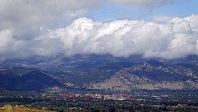 Photo of 美國洛磯山脈下起「塑膠雨」 專家:清掉塑膠需幾世紀
