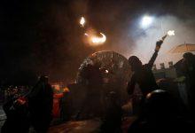 Photo of 香港警民衝突升級 英首相:和平對話才是解決之道