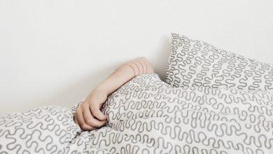 Photo of 他一覺睡醒變…不舉 醫嘆:睡姿不良導致「蜜月症候群」