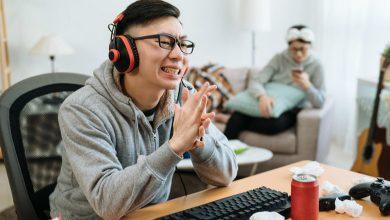 Photo of 高中生沈迷遊戲性情大變!網路成癮如吸毒 一張表秒測