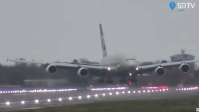 Photo of 超強暴風襲英國!空中巴士A380「螃蟹式」降落 橫著落地再回正(影)